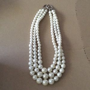Vintage 3-strand pearl choker necklace